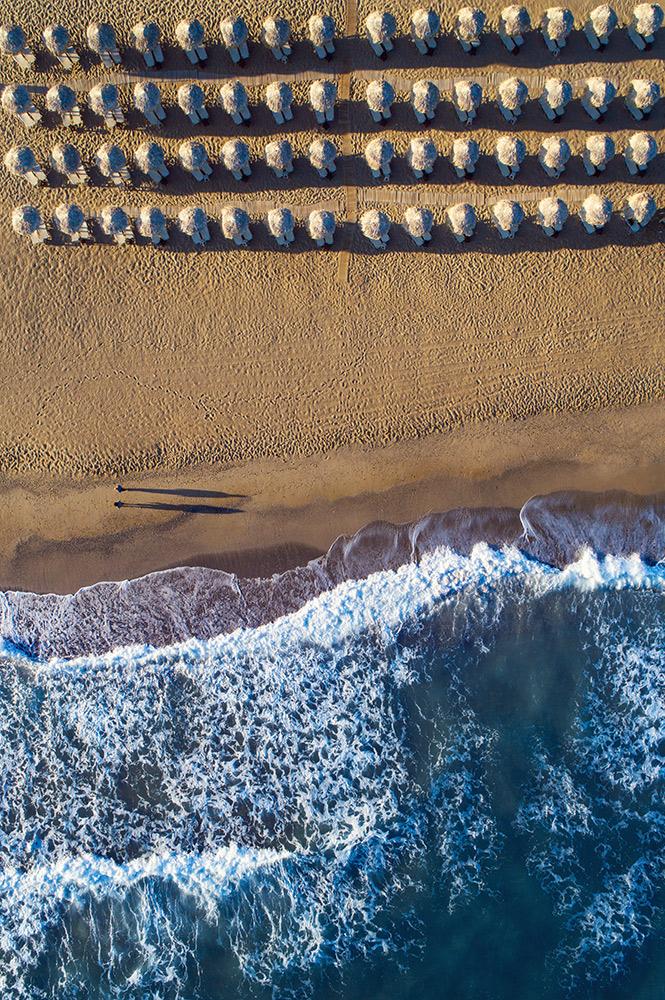 couple love beach Drone Photography Alex Axon Crete